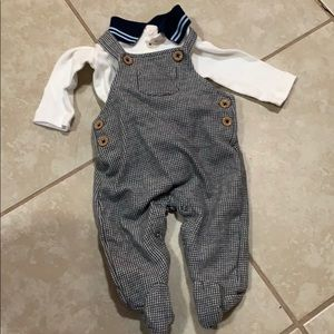 Outfit set size 0-3 mos for baby boy